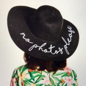 David   Young Embroidered Packable Wide Brim Hat 53bd04cca373